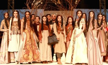 models-showcase-the-creations-of-fashion-designer-397562